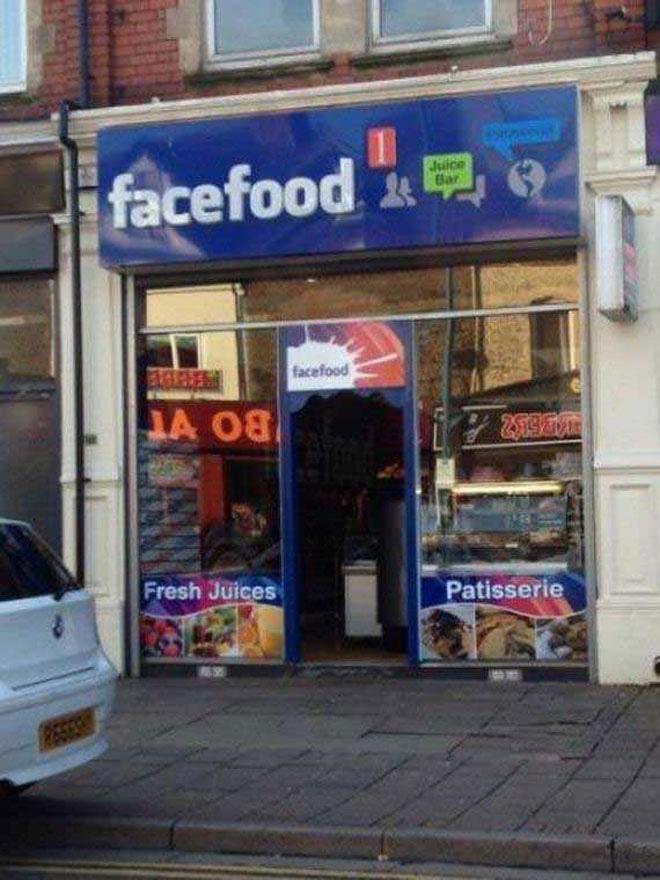 """Một quán ăn """"lấy cảm hứng"""" từ mạng xã hội Facebook, với tên gọi na ná """"Facefood""""."""