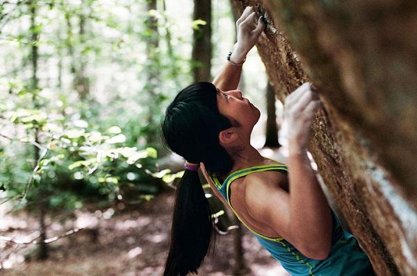 """Ashima Shiraishi, cô bé có khả năng leo trèo như """"người nhện""""."""