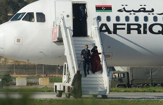 Máy bay Libya bị không tặc khống chế, bắt giữ 116 con tin hơn 4 giờ - H2