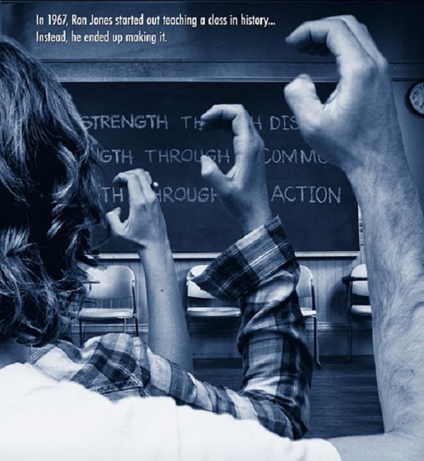 """Các thành viên của """"Làn sóng thứ ba"""" đều có thế tay chào hỏi riêng. Bức ảnh này là tấm poster từ bộ phim năm 2010 Lesson Plan – bộ phim kể về phong trào Làn sóng thứ ba của thầy Ron. (Ảnh: Facebook)"""