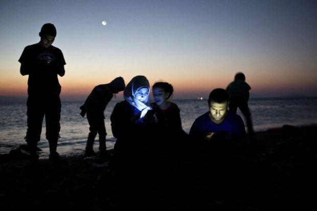 Đối với những người tị nạn điện thoại thông minh là một thiết bị vô cùng quan trọng.
