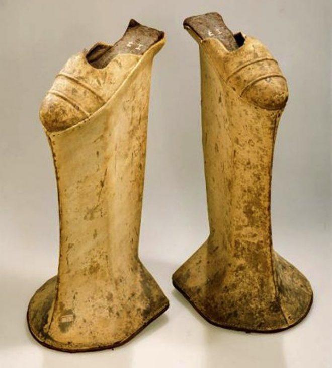 Chopine - Giày đế bục nổi tiếng một thời, chiều cao phụ thuộc địa vị xã hội