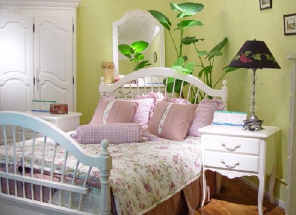 Không nên mang cây xanh vào trong phòng ngủ. (Ảnh: Internet)