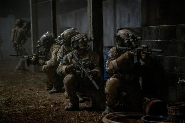 Đặc nhiệm SEAL kể chuyện giải cứu con tin ở Afghanistan - H1