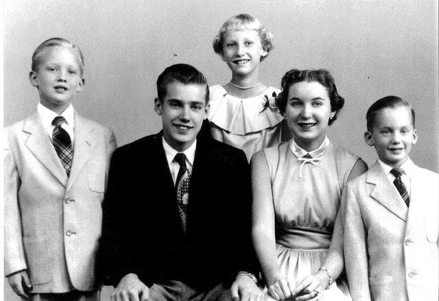 Khi Donald Trump còn là một cậu bé trong gia đình 3 anh chị em. (Ảnh: Getty).