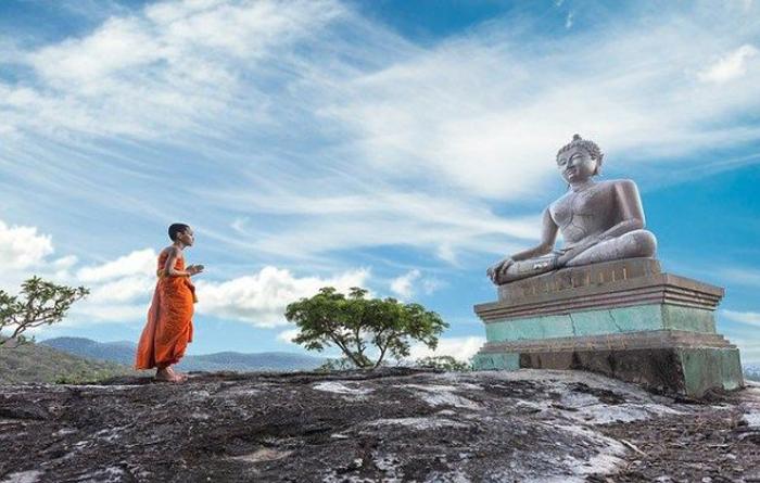 Chư Phật sẽ không cho con người những thứ họ truy cầu. (Ảnh sưu tầm từ internet)