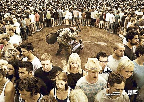Phải chăng chính sự chấp nhận của xã hội mới dẫn đến sự tồn tại của những thứ xấu. (Ảnh: Internet)