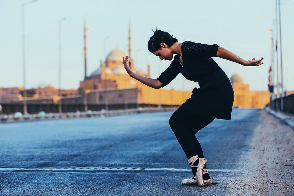 Khám phá vẻ đẹp tiềm ẩn của thành phố Cairo qua những điệu múa ba lê.7