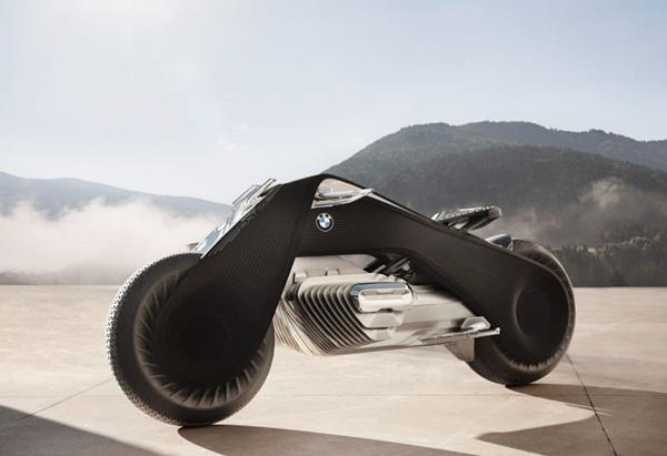 Chiếc siêu môtô của BMW sở hữu khả năng tự cân bằng cả khi di chuyển lẫn đứng yên. Các chuyên gia của công ty cho biết bí mật ẩn dưới công nghệ này nằm ở cảm biến con quay hồi chuyển.