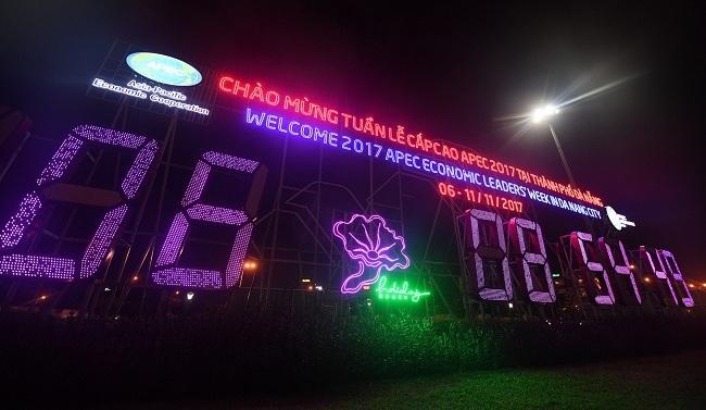 Da_Nang_Trang_Hoang_chao_don_APEC_43_zing_1