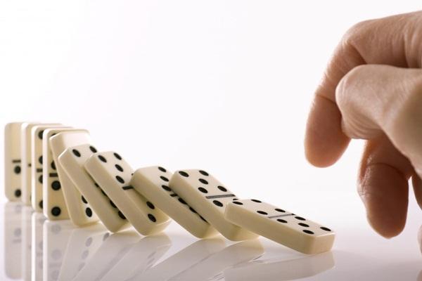 Domino-Effect-3