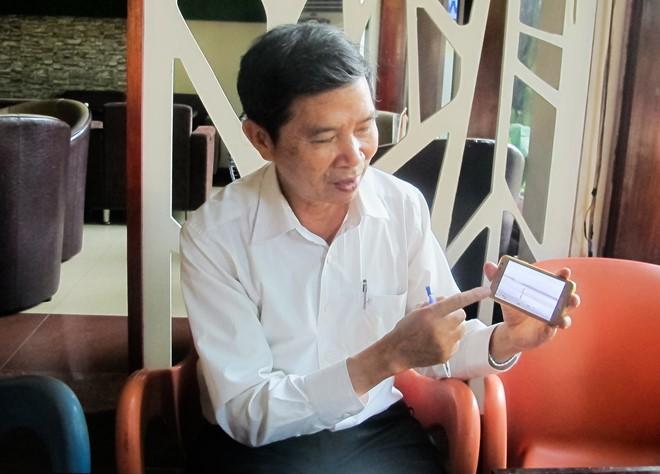 """Ông Phan Đình Phương trình bày ý tưởng dự án """"Lên trời gọi mưa"""".( Ảnh: Đoàn Nguyên)."""