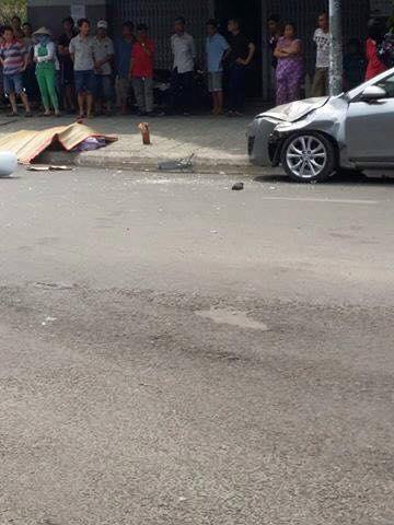 Hiện trường vụ nam thanh niên nhảy lầu tự tử rơi trúng nắp capô ô tô ở chung cư Bàu Cát, Tân Bình, TP.HCM chiều 17/5