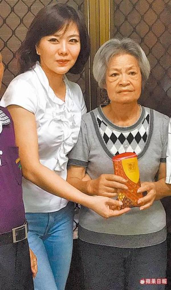 Bà Lê A Mỹ và nữ diễn viên Tiểu Phan Phan.
