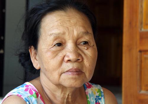 Bà Tâm cảm kích trước hành động dũng cảm của hai cậu bé nhỏ tuổi đã cứu hai cháu gái mình.