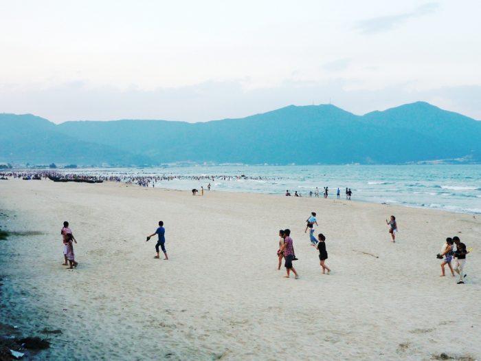Đà Nẵng khẳng định biển Đà Nẵng an toàn, người dân có thể tắm, vui chơi.