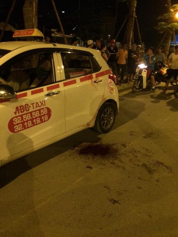 Hiện trường cho thấy tài xế gặp nạn thuộc hãng taxi ABC.