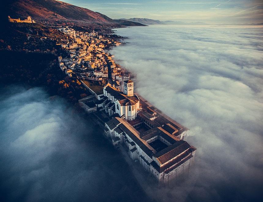 Giải nhất hạng mục du lịch: Nhà thờ Thánh Phanxico của Assisi, Umbria, Ý.