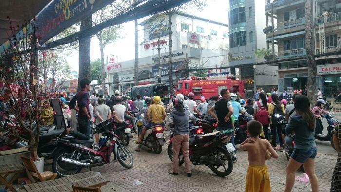 Cháy showroom Toyota Trần Hưng Đạo, quận 5