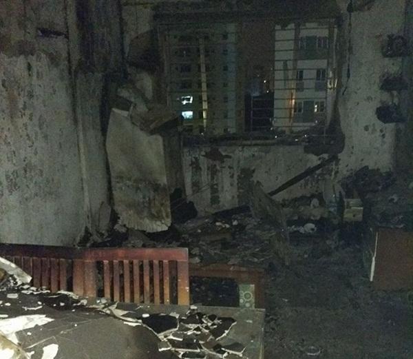 Cận cảnh phòng chung cư bị cháy. Ảnh: Báo Công lý.