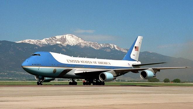 Chuyên cơ của tổng thống Mỹ sẽ đến Hà Nội sáng 23/5.