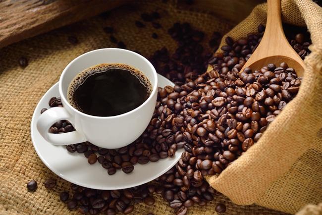 Caffeine trong cà phê có công dụng duy trì sự tỉnh táo và đẩy lùi cảm giác mệt mỏi.(Ảnh:internet)