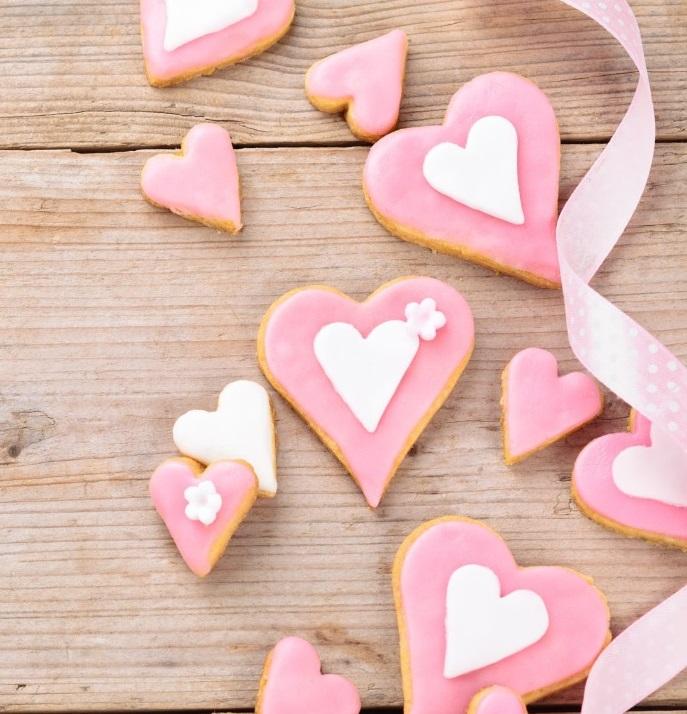 Những chiếc bánh quy màu hồng.