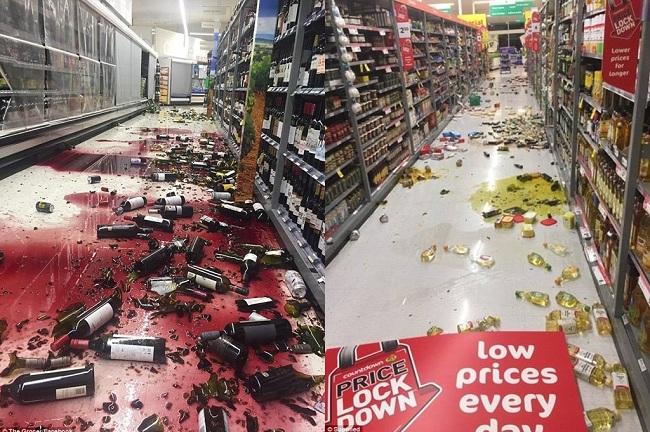 """Trung tâm Khảo sát Địa chất Mỹ (USGS) cho biết trận động đất mạnh 7,4 độ Richter xảy ra đầu giờ sáng 14/11 (khoảng 18h ngày 13/11 giờ Hà Nội), ở cách thành phố Christchurch thuộc Đảo Nam 95 km. Trong khi đó, Cơ quan Theo dõi Hiểm họa Địa chất New Zealand cho biết trận động đất mạnh 6,6 độ Richter và được xếp loại """"nghiêm trọng"""". Động đất rung chuyển khiến hàng hóa trong các quầy siêu thị rơi vỡ ngổn ngang. (Ảnh: Daily Mail)"""