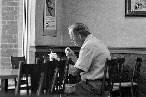 eating-alone-canuckshutterer