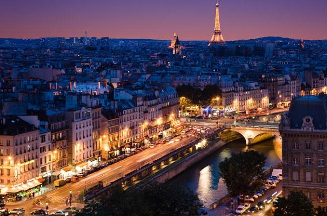 eiffel-tower-seine-river-cruise-and-paris-illuminations-night-tour-in-paris-136932
