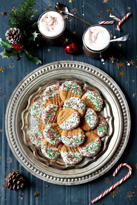 gallery-1470085538-white-chocolate-pb-cookies