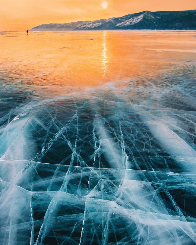 Ngắm nhìn hồ băng đẹp như cổ tích ở miền nam nước Nga.5