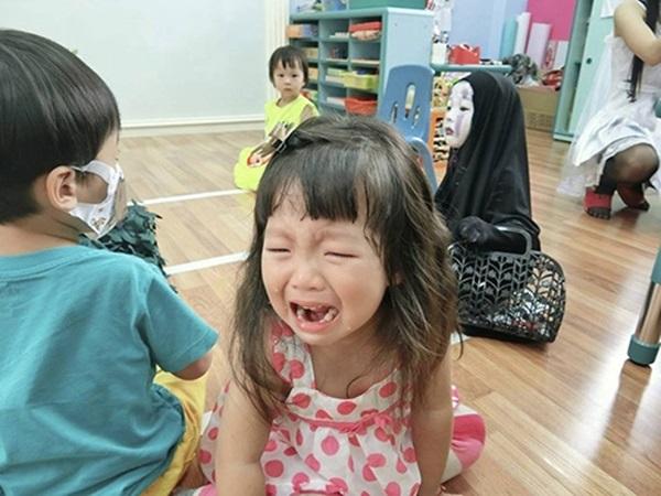 Tạo hìn của cô bé cũng khiến một số bạn...sợ phát khóc.