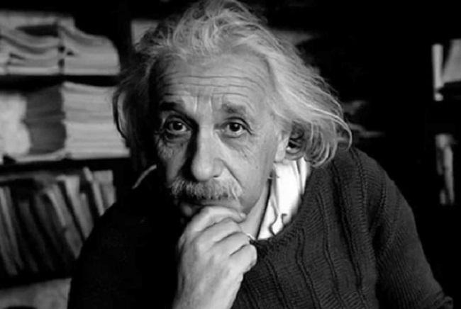 (Hình nhà khoa học Albert Einstein: Qua inkedin.com)