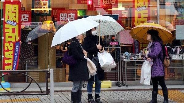 japan-women-street_ovvc