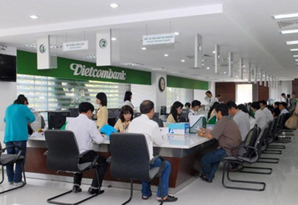 Khi các ngân hàng Việt Nam phát triển lớn mạnh, số lượng khách hàng ngày một nhiều thì sẽ đi cùng với việc bảo mật ngày một phức tạp và áp lực hơn. Nhất là khi tội phạm mạng luôn chạy trước, đón đầu về công nghệ thông tin.
