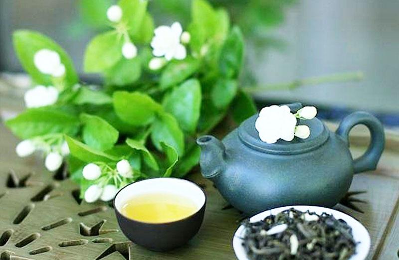 Nhân sinh cũng giống như một ly trà, đong đầy cũng tốt, mà vơi nửa cũng chẳng sao. (Ảnh: ZiarnkoRyzu)