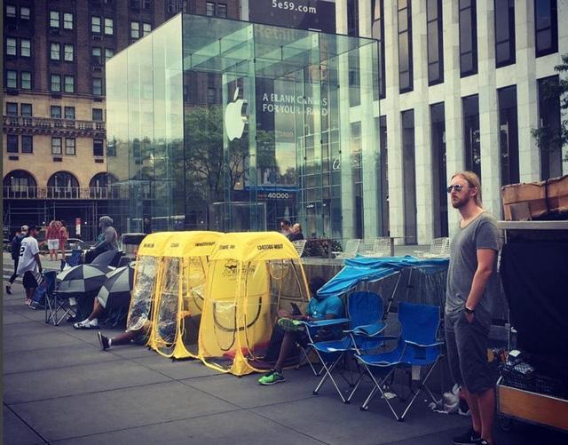 Tại Apple Store số 5 đường Avenue