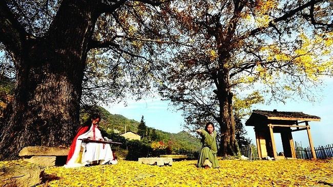 Cặp vợ chồng lên núi ẩn cư, sáng luyện kiếm, tối thổi tiêu sống như phim kiếm hiệp - H8