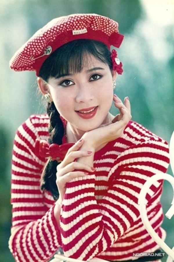 Dù không phải hàng hiệu nhưng Diễm Hương cũng có guu thời trang cực phong cách