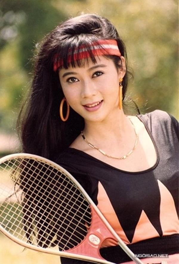 """Diễn viên Diễm Hương sinh năm 1970, được xưng tụng là """"Đệ nhất mỹ nhân"""" của điện ảnh Việt Nam những năm 90 với vẻ đẹp dịu dàng, hiền hậu"""
