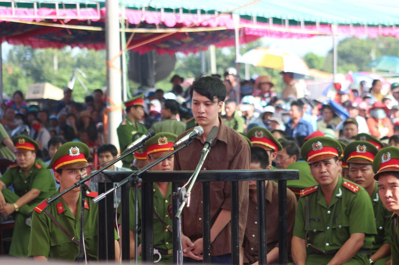 Nguyễn Hải Dương tại phiên tòa sơ thẩm (ngày 17.12.2015