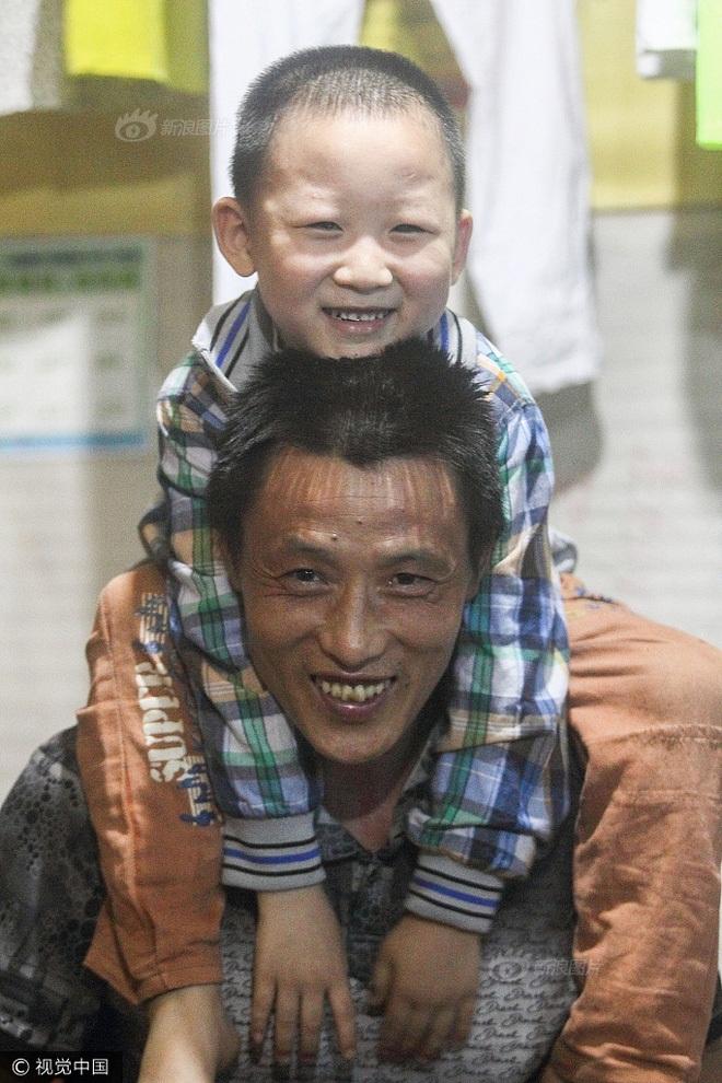 Cha và con trai