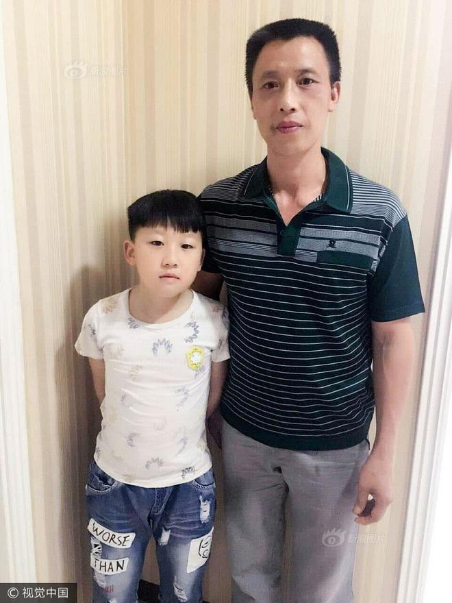 Hai cha con anh Nhiễm sau 7 năm