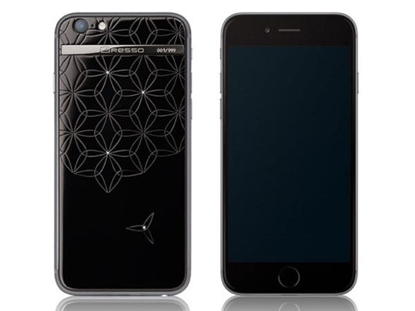 Trước đây, Gresso từng trình làng một mẫu iPhone 7 rất độc đáo, có mức giá lên tới 500.000 USD, tương đương hơn 11,1 tỷ đồng. Chỉ có ba mẫu iPhone này được sản xuất. Thương hiệu Gresso còn nổi tiếng với các sản phẩm ốp lưng cao cấp dành cho iPhone, cũng như dòng smartphone riêng có tên Regal.