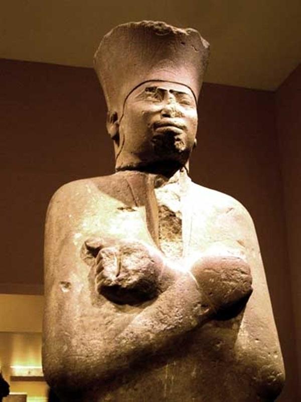 """Khám phá """"cỗ máy bí mật"""" giúp bảo vệ Kim tự tháp Giza.1"""