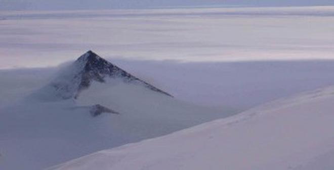 Núi băng Nam Cực.