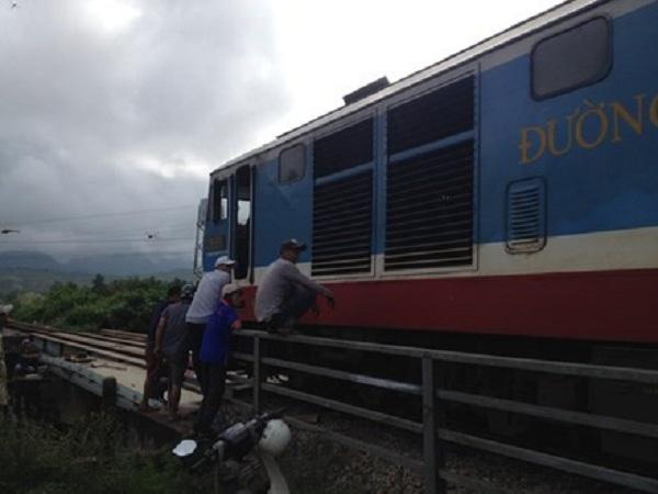 Sự cố khiến tuyến đường sắt Bắc - Nam tê liệt nhiều giờ. (Ảnh: Internet)