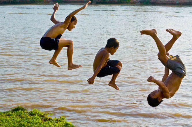 4 nguyên tắc vàng cứu người bị đuối nước.2