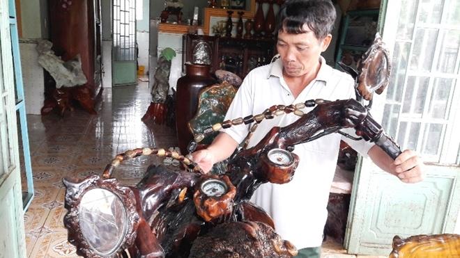 Chiếc môtô bằng gỗ độc nhất vô nhị ở Việt Nam